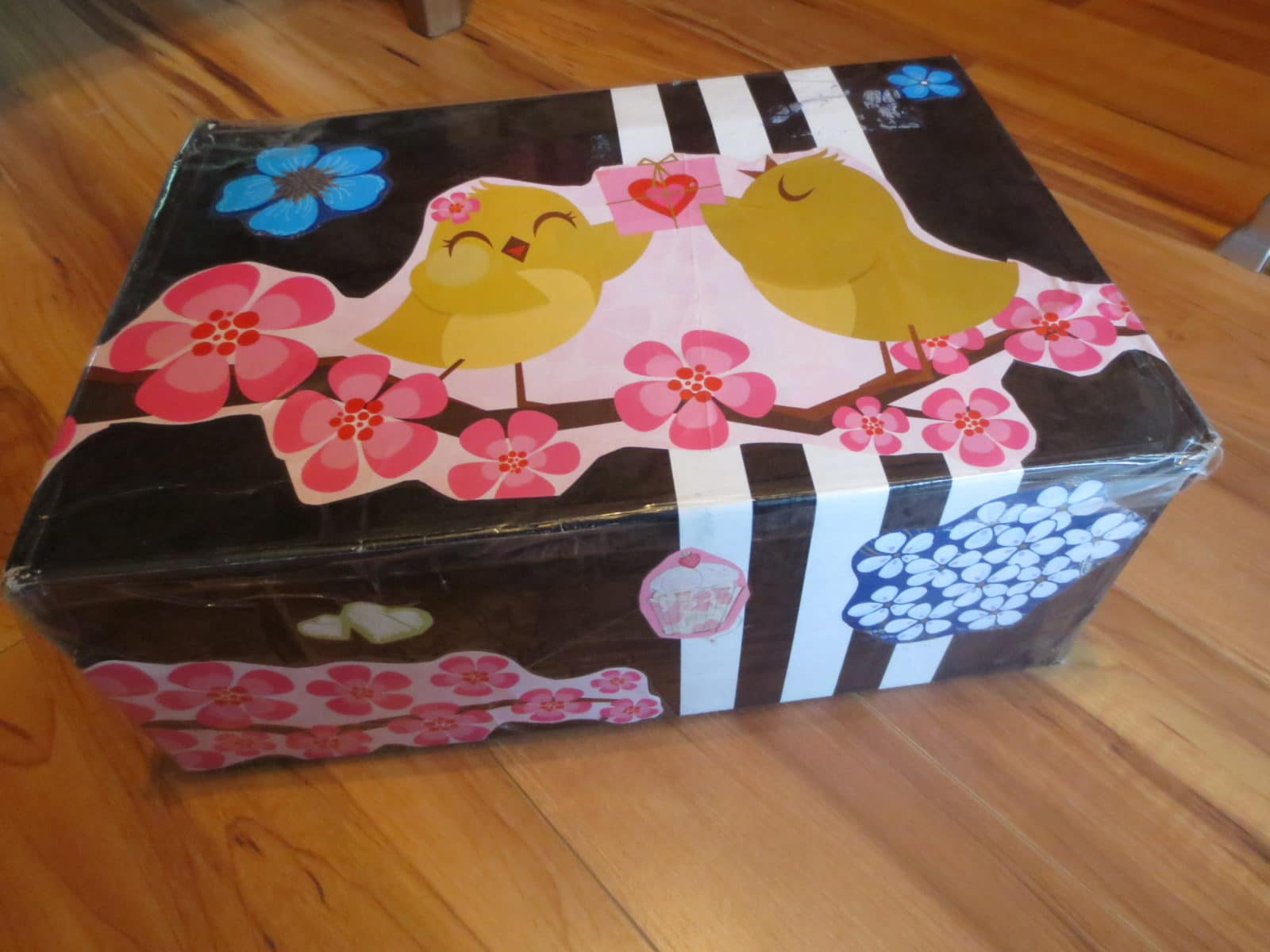 diy karton gestalten handmade kultur. Black Bedroom Furniture Sets. Home Design Ideas