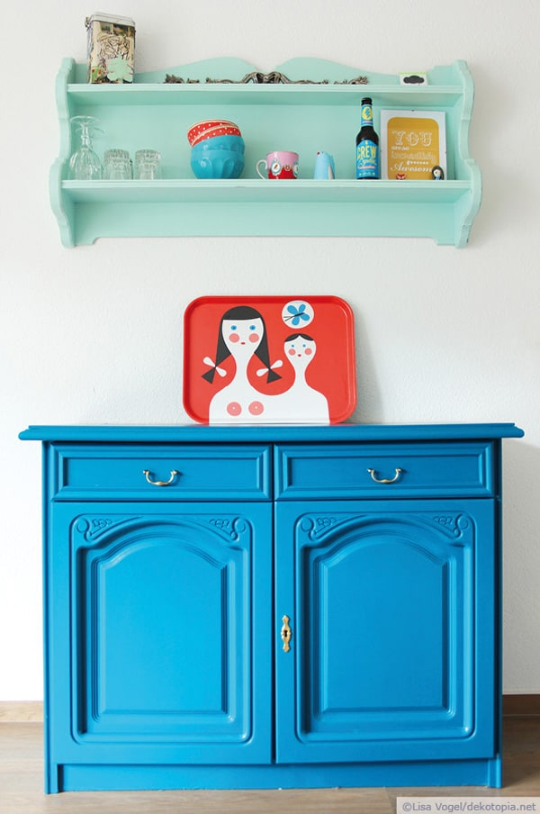 aufgam belt blaue kommode und wandregal handmade kultur. Black Bedroom Furniture Sets. Home Design Ideas