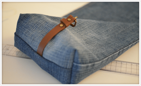 upcycling projekt mini tasche aus alter jeans handmade kultur. Black Bedroom Furniture Sets. Home Design Ideas