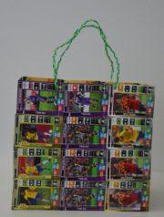 Tasche aus Fußball-Sammelkarten