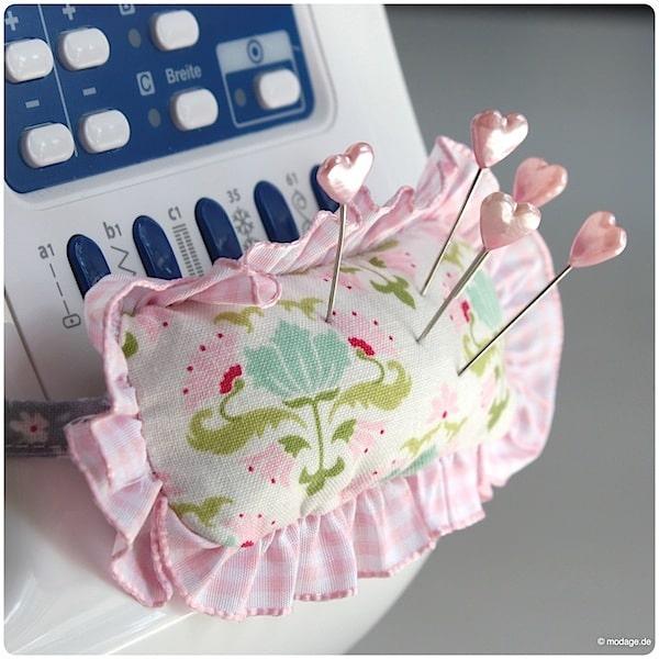 ein nadelkissen für die nähmaschine  handmade kultur ~ Nähmaschine Zieht Unterfaden Nicht