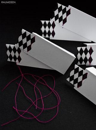 tischkarten f r ein sommerfest handmade kultur. Black Bedroom Furniture Sets. Home Design Ideas
