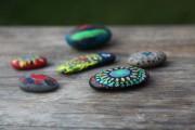 Steinmalerei mit Kindern