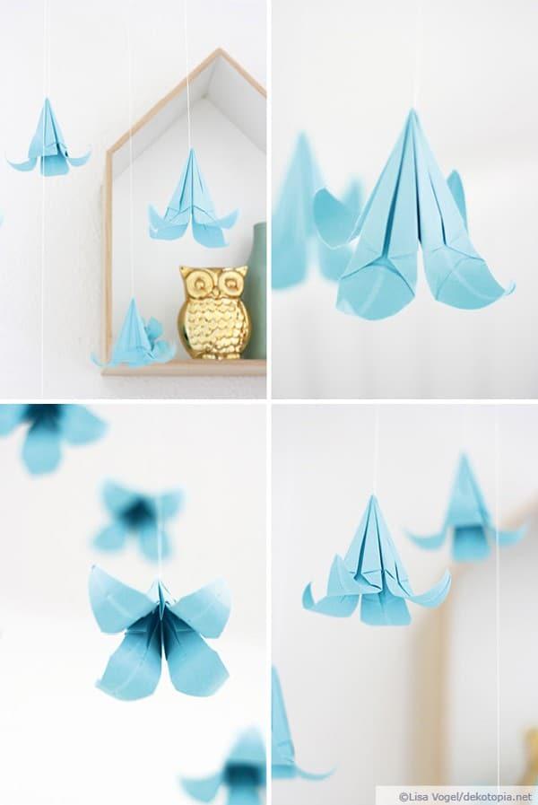 Mobile aus Origami-Blüten