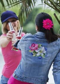 Jeans-Jacke mit Blumen