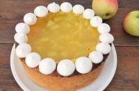 Was Süßes zum Wochenende: Apfel-Wein-Kuchen und seine Meringues