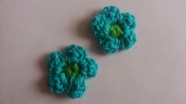Blume aus Restgarn häkeln