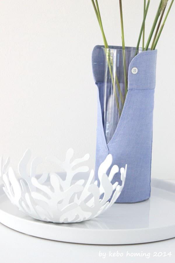 Was man aus einem Hemdärmel schönes machen kann... Upcycling-Vase...