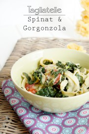 Tagliatelle mit Gorgonzola und Spinat
