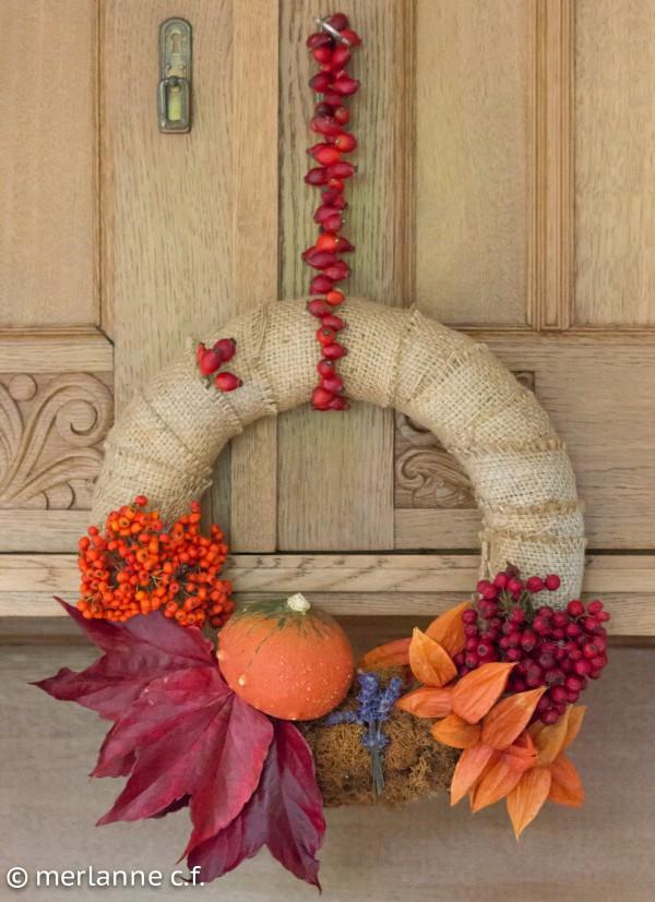 Farbenfroher Herbstkranz