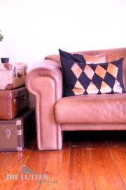 Idee für Kissenbezüge mit geometrischen Mustern - in Kupfer