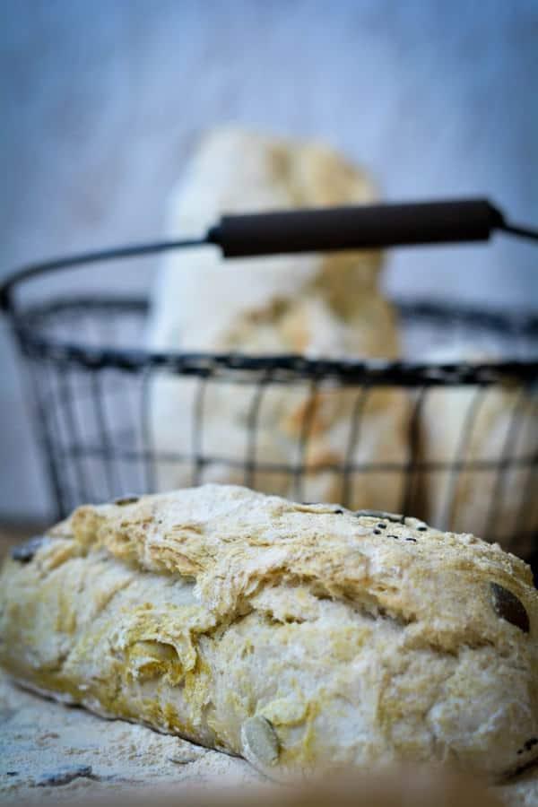 Curry-Kürbiskern-Baguette frisch aus dem Ofen...