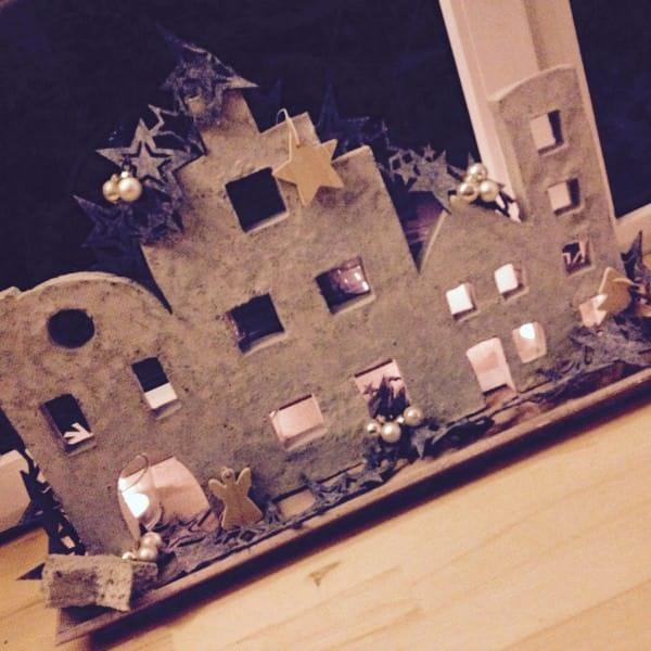 Weihnachtliche Plattenbautensind - Beton, die Zweite
