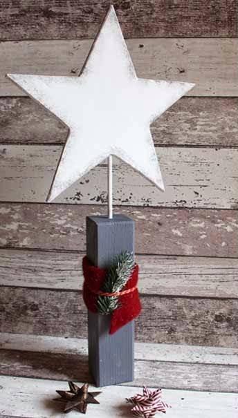 Weihnachtlicher Holzpfosten