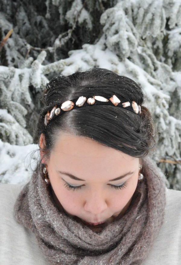 Haarband mit Glitzersteinen