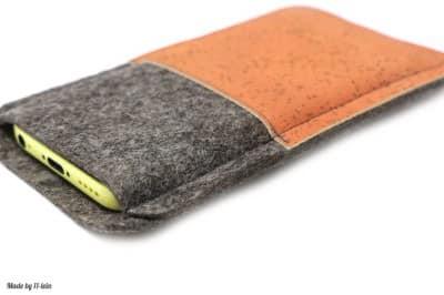 Handytasche aus Filz und orangefarbenem Kork – Maßanfertigung