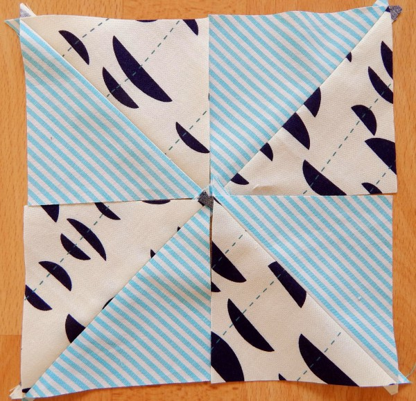 patchwork wegweiser 6 vielfalt der dreiecke handmade. Black Bedroom Furniture Sets. Home Design Ideas