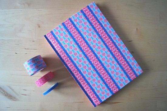notizbuch mit washi tape versch nern handmade kultur. Black Bedroom Furniture Sets. Home Design Ideas