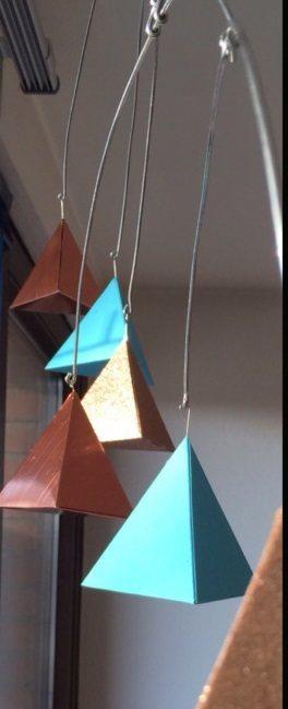 schwebende Pyramiden