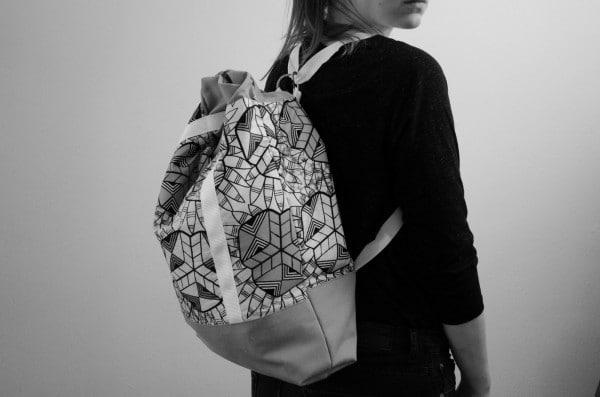 2 in 1. Rucksack und Handtasche.