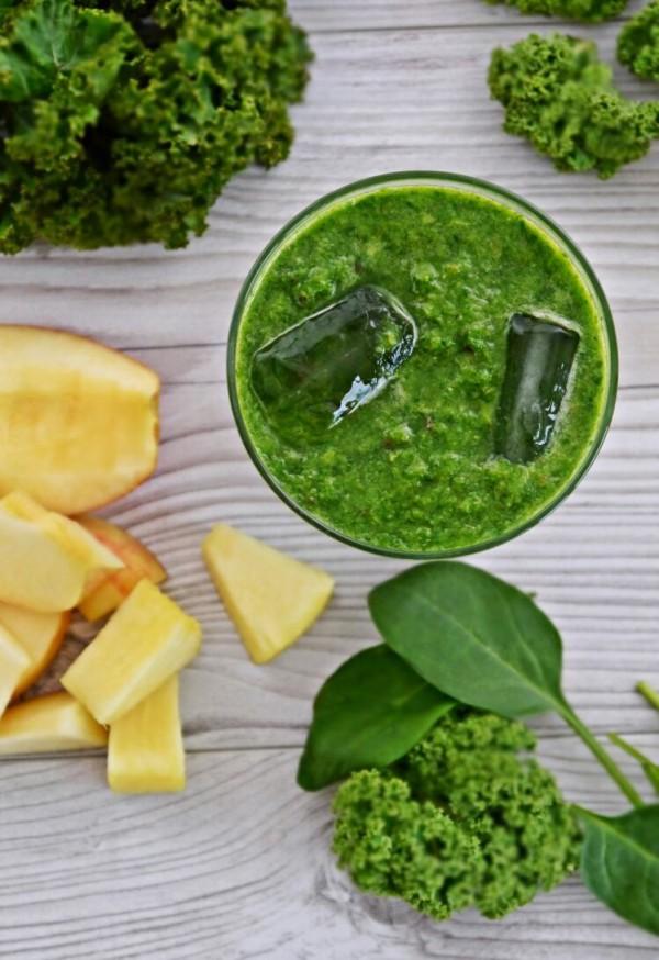 Smoothie mit Grünkohl von den [Foodistas]