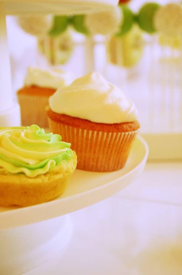 Lemon-Cupcakes mit Baiserhaube von den [Foodistas]