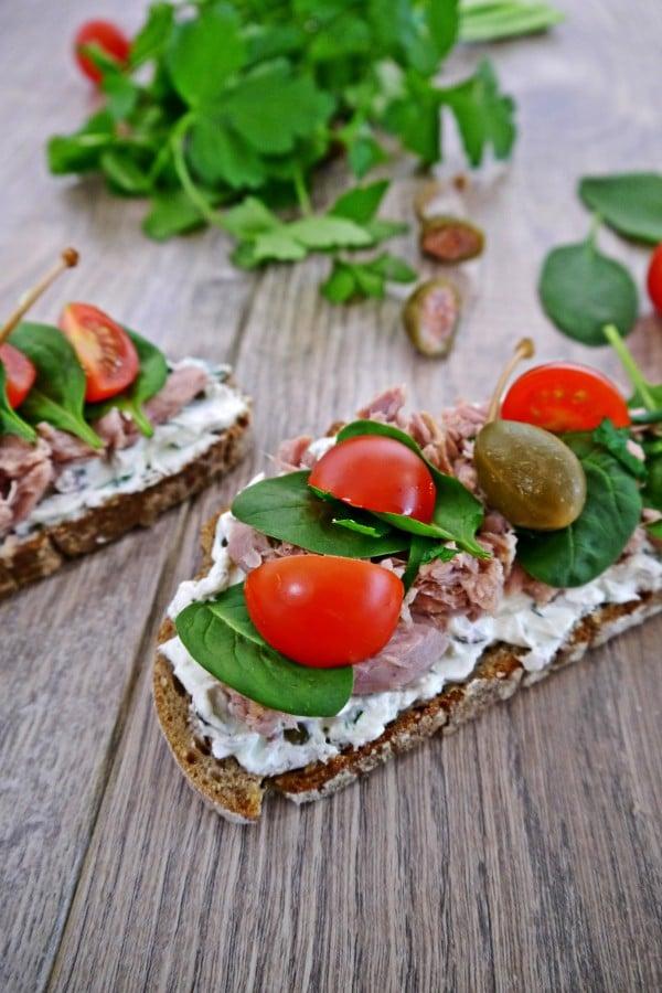 Stulle mit Thunfisch dazu eine kleine Raffinesse — Kapernfrischkäse von den [Foodistas]