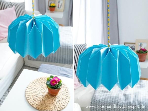 diy plissee lampenschirm in 10 schritten handmade kultur. Black Bedroom Furniture Sets. Home Design Ideas