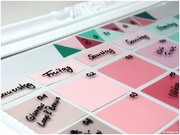 diy wandkalender aus farbkarten handmade kultur. Black Bedroom Furniture Sets. Home Design Ideas