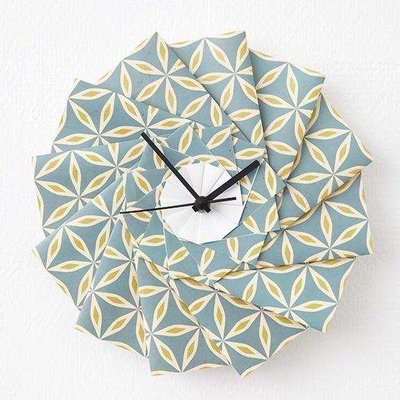 Die Origami-Uhr