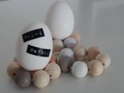 Untersetzer aus Holzkugeln für das (Oster-)Ei