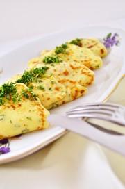 Kresse-Crêpes mit einem frühlingshaften Dip von den [Foodistas]