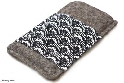 Handytasche aus Filz mit schwarz-weißem Muster – Maßanfertigung