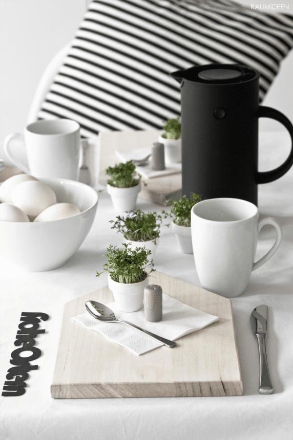Kleine Kressetöpfe für eine spontane Tischdeko: