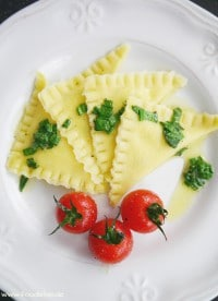 Bärlauch-Ziegenkäse-Ravioli von den [Foodistas]