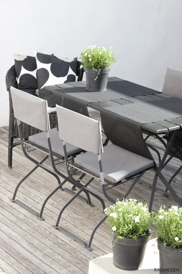 alte gartenm bel mit lehnenhussen und passenden sitzpolstern aufpeppen handmade kultur. Black Bedroom Furniture Sets. Home Design Ideas