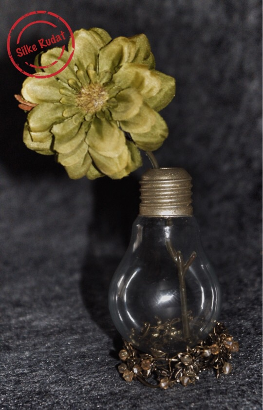 Elegante Glühbirnen- Vase