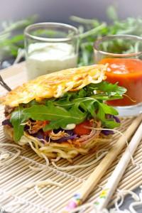 Eurasien Style Burger - Pulled Pork meets Ramen and Kimchi von den [Foodistas]
