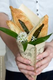 Leckeres Essen in einer selbstgebastelten Spitztüte!