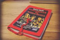Upcycling-DIY: Umge-Buch-t! ... Außen verrückt, innen ein Notizbuch.