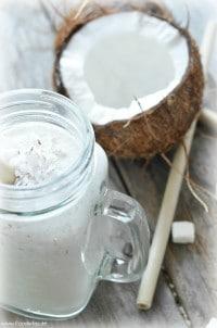 Kokos Mandelmilch Smoothie von den [Foodistas]