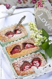 Turboschnelle Leckeridee für den Muttertag: Erdbeer-Clafoutis