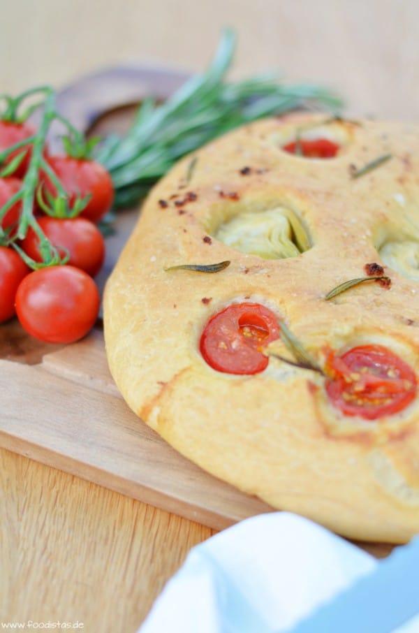 Fougasse mit Tomaten und Artischocken von den [Foodistas]