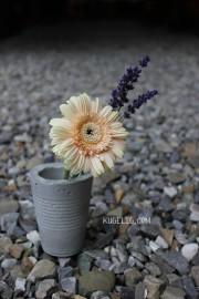 Die Outdoor-Beton-Vase