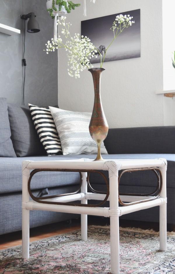 DIY: frisch lackierter Bambus Tisch