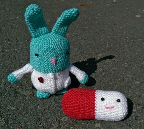 Doktor Hase und Pille - Amigurumi bis der Arzt kommt!
