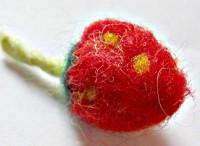 Erdbeerkette - wundervoll aus Filz