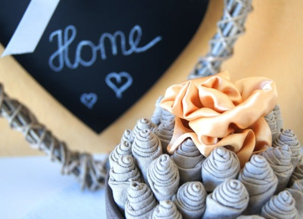 stoffrosen zum selbermachen handmade kultur. Black Bedroom Furniture Sets. Home Design Ideas