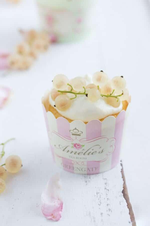 """""""Limoncello Cupcakes mit weißen Johannisbeeren!"""""""
