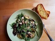 Rucolla mit gegrilltem Gemüse